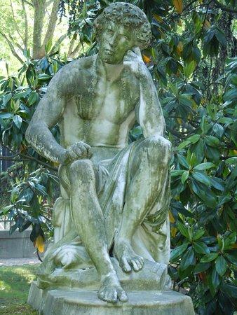Statue Il Dispetto: Détail de la sculpture