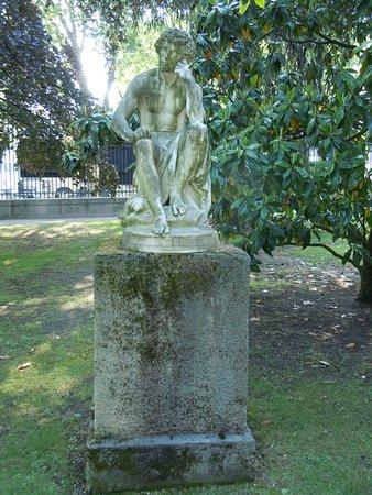 Statue Il Dispetto: La sculpture