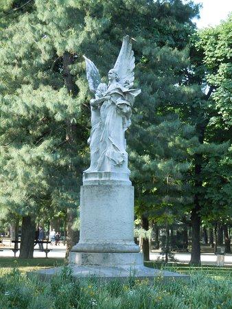 La Statue de Charles Leconte de Lisle