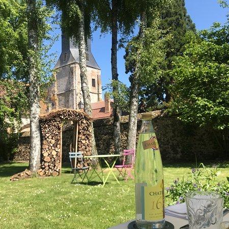 Thiron-Gardais, Francja: Top endroit . Accueil parfait