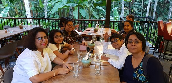 The Halia at Singapore Botanic Gardens: My family and I during this lovely dinner
