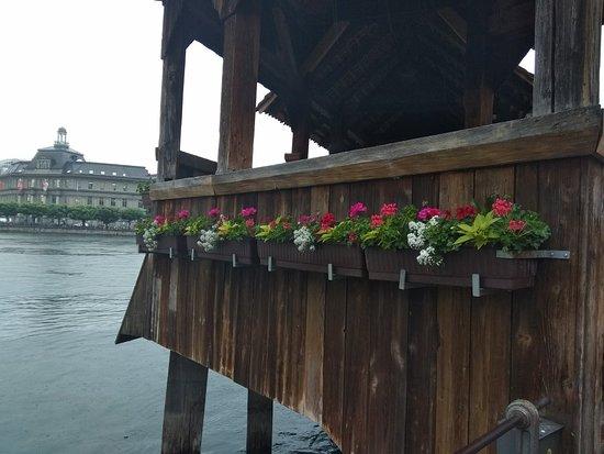 Γέφυρα της Λουκέρνης: Chapel Bridge (Kapellbrucke)