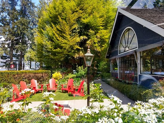 Teahouse in Stanley Park: Parte externa do local.