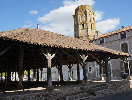 Halles de Charroux
