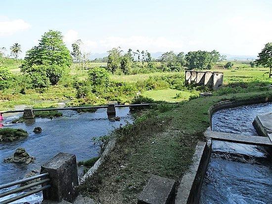Waikelo Sawah Waterfall