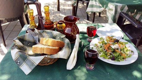 Bella Vista Taverna: Greek Salad