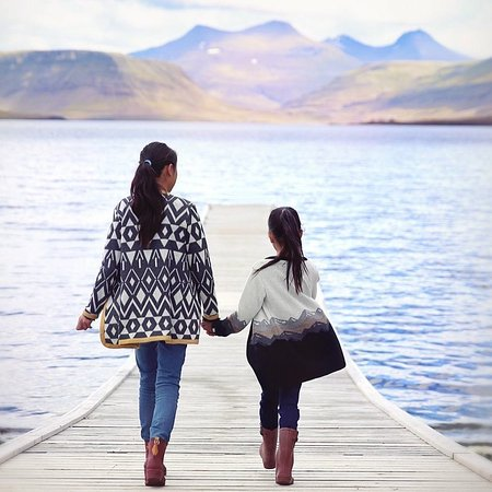 Skúmaskot: Girls clothing for ages 2-12  by Dóttir