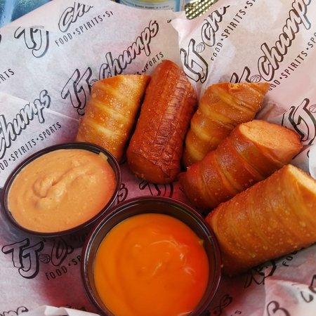แฟร์บอร์น, โอไฮโอ: pretzels, these are the most amazing pretzels I have ever had.