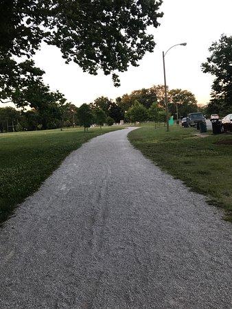 Forest Park: الممرات الداخلية للمشي