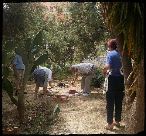 Daratsos, Grækenland: A taste of Cretan history. Cooking lesson.