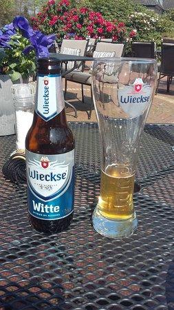 Tegelen, هولندا: Bij warm weer lekker verfrissend op terras!!