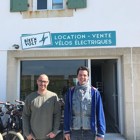 Saint Martin de Re, France: Bike'n Volt is a new bike rental business just off the main quayside in St Martin.  The owners w