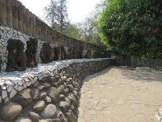 Ο Κήπος των Βράχων του Chandigarh: Pathway