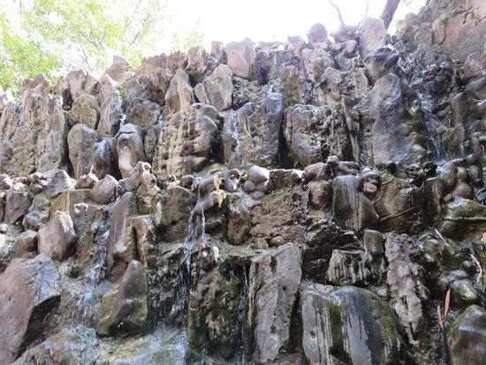 Ο Κήπος των Βράχων του Chandigarh: Inside the rock garden