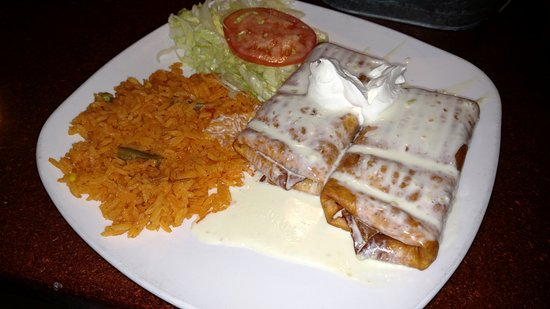 Cucuo's Mexican Restaurant - Waunakee - Small Margarita - Friendly Service - Average food
