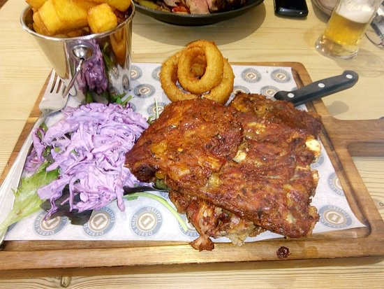 "The Fox Inn : ""Black Spot Ribs"" little meat and too much fat."