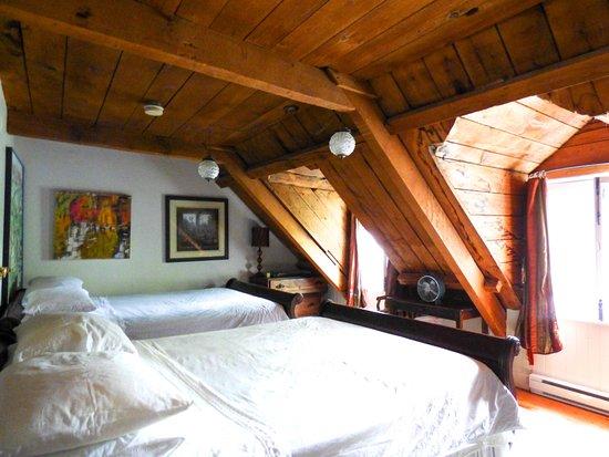 our room at Maison Historique James Thompson