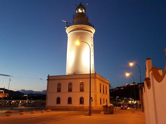 Puerto de Malaga: Malaga Lighthouse