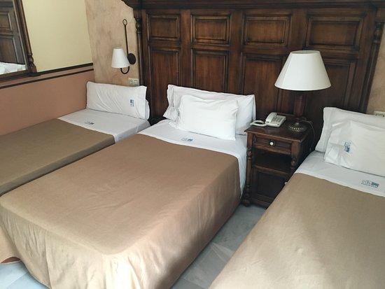 Hacienda Posada de Vallina: Apartamento bem simples com preço de luxuoso