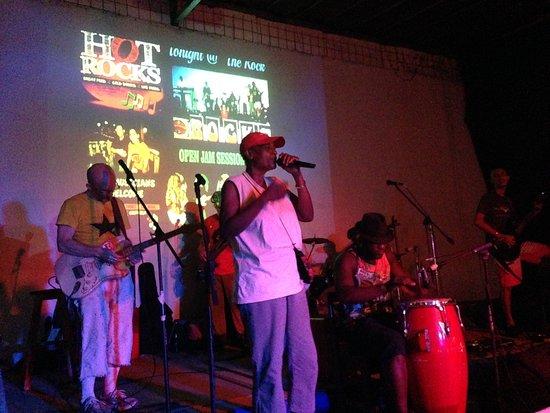 Hot Rocks Restaurant - Bar - Bands & Musicians: boi boi boi boi