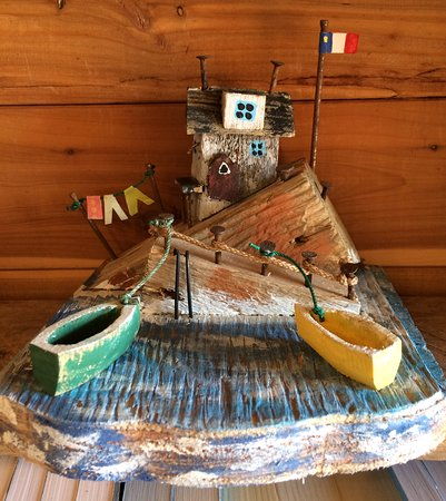 Arichat, Kanada: Locally made artisanal work for sale