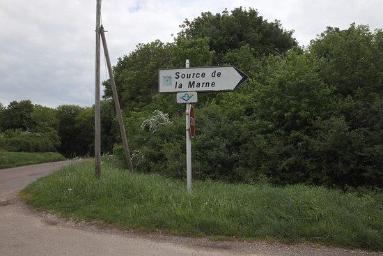 La Source de la Marne: Le chemin est indiqué