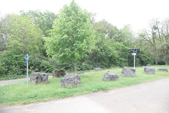 La Source de la Marne: Ici, c'est l'entrée du parking