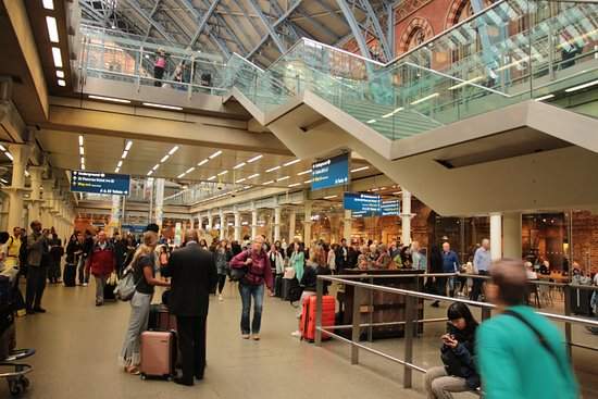 St. Pancras International Station: AREA COMERCIAL