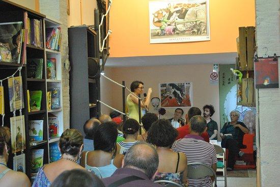 """Fondi, İtalya: Presentazione del libro """"Il partigiano Colorni e il grande sogno europeo"""""""