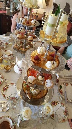 Buckingham, UK: Best afternoon tea I've had so far. Great afternoon out with my lovely friends x