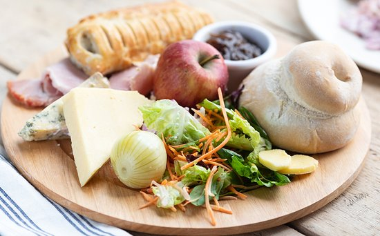 Oldbury, UK: Perfect for the summer our delicious ploughmans salad