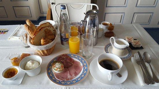 Billiers, ฝรั่งเศส: 20180423_093543_large.jpg