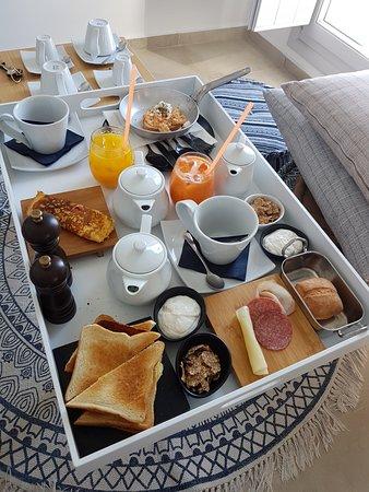 Santorini Secret Premium: Desayuno a la habitación, lo mejor!!