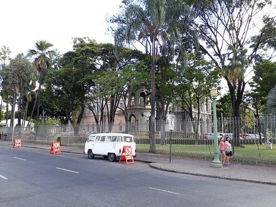 Visão lateral do Palácio da Liberdade