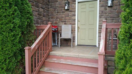 Premier Carriage House Cottages: Back porch.