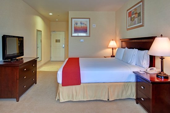 Holiday Inn Express Hotel & Suites Beaumont-Oak Valley : Guest room