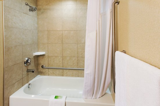 Holiday Inn Express Hotel & Suites Courtenay Comox Valley SW: Guest room amenity