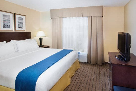 Holiday Inn Express Hotel & Suites Courtenay Comox Valley SW: Suite