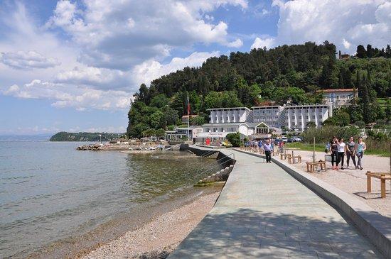 باربارا فيسا: Private swimming area near hotel