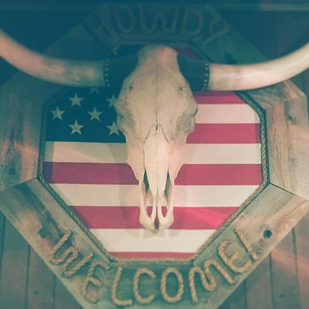 Tumalo Feed Co. Steakhouse: Howdy, Welcome!