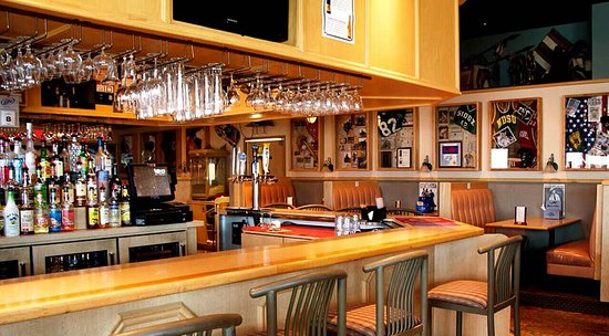 Carrington, ND: Enjoy the evening atmosphere in the bar and grill