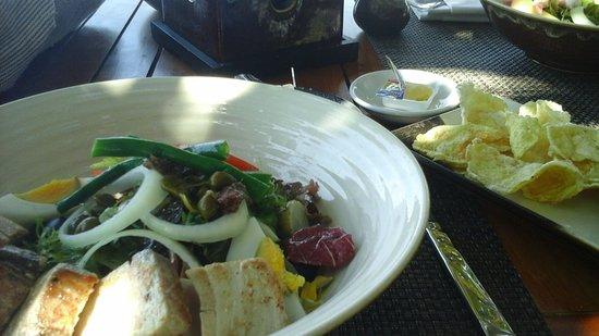 Tamarind Mediterranean Brasserie: salad nicoise