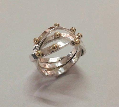 Sanur Jewellery Studio: russian wedding band with brass ball decoration - half day class