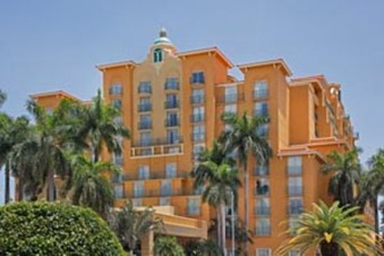 Miami Springs, FL: Exterior