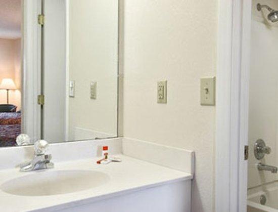 ลัมเบอร์ตัน, นอร์ทแคโรไลนา: Guest room