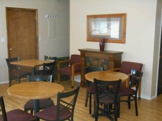 Henrys Fork Inn: Meeting room