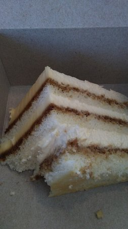 Prince George, Kanada: The tiramisu cake at Second Cup is heavenly!