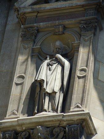 Statue de Saint-Gregoire de Nysse