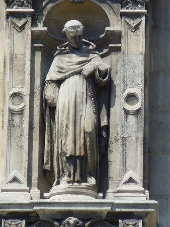 La statue de Saint-Thomas d'Aquin