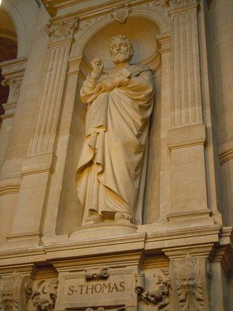 La statue de Saint-Thomas